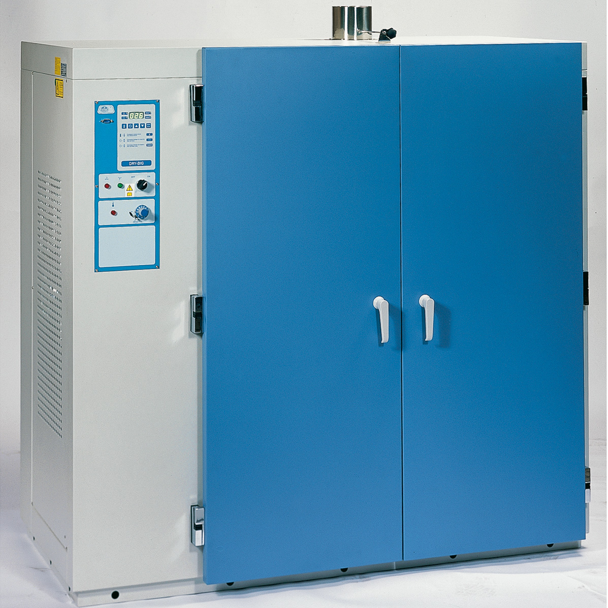 Drying and sterilization ovens with fan assisted circulation